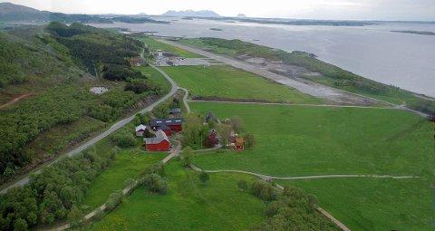 Sandnessjøen lufthavn, Stokka. Bildet viser den ikke ferdigstilte utvidelsen av rullebanen
