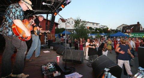 Drøbak Blues Band sørget for topp stemning. Alle foto: Petter Løken