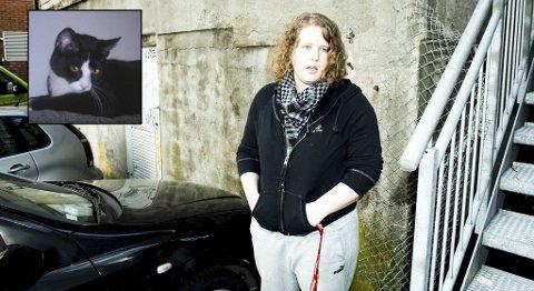 Karete Iren Kvalsund (26) var fortvilet da Freddy satte seg fast i motoren på denne bilen natt til lørdag.