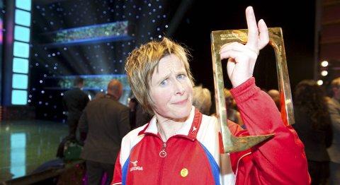 Linda Eide vant prisen for beste kvinnelige programleder under Gullruten 2012.