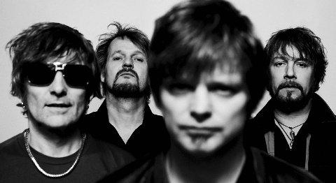 DumDum Boys er ute med sin tiende plate, nå med Bent Sæther som produsent.