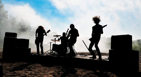 Tonic Breed er en gjeng ambisiøse musikere. Etter to album har de endelig laget sin første musikkvideo, som vi ser en smakebit fra her. (Foto: Marie Moen Kingsrød)