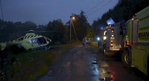 En bil har havnet i Tresvatnet på Ask.