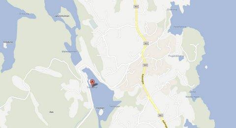 En bil har gått i Tresvannet på Ask. (Skjermdump fra maps.google.com)