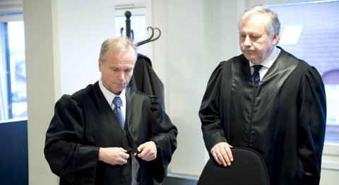 De to tiltalte nekter straffskyld. På bildet ser du forsvarerne Kaj Wigum og Egil Jordan.