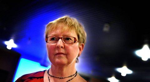 TAR IKKE AVSTAND: : Inger Marit Sverresen, leder i Sarpsborg Kristelig Folkeparti, er åpen for Per Haakonsens påstander om at terroraksjonene 22. juli kan ha vært en advarsel fra Gud om at verre ting kan skje dersom Arbeiderpartiet og ikke det norske samfunnet slutter å fjerne seg fra Gud. (Foto: Jarl M. Andersen)