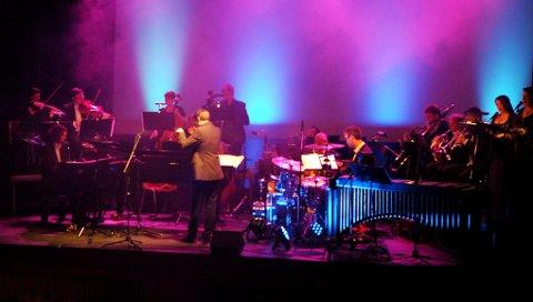 Sortland kammerensemble under ledelse av dirigent Tormod Tvete Vik leverte en flott konsert i kinosalen.