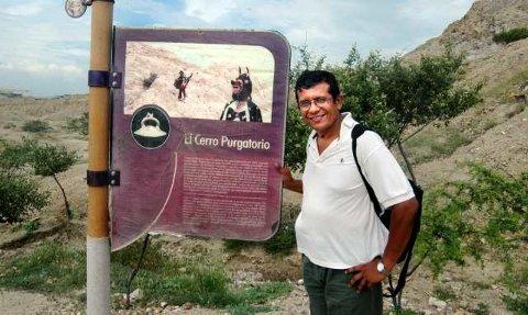 Skjærsilden heter den dominerende fjellryggen over utgravningsområdet i Tucume, og  når en skal bestige dét, er det betryggende at guiden heter Dante.