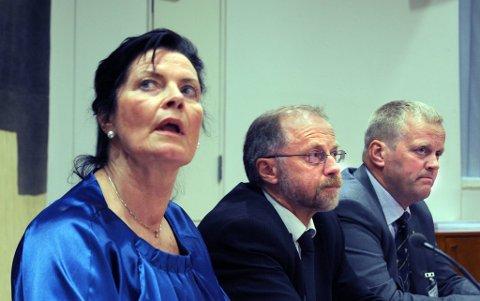 Avstanden mellom tilbudet fra Leder Merete Furuberg i Norsk Bonde- og Småbrukarlag og Statens Leif Forsell er på hele 1,6 milliarder kroner. Til høyre leder i Norsk Bondelag Nils T. Bjørke.