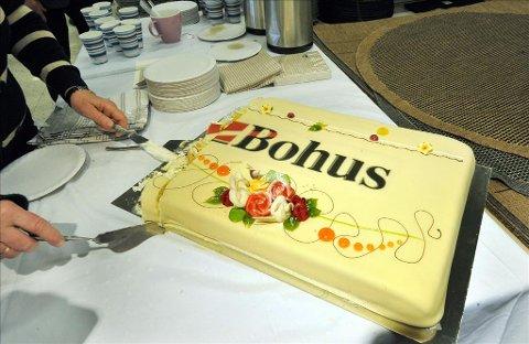 Kake: Bløtkake og kaffe ble servert under åpningen og det falte i smak hos kundene.