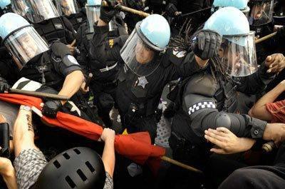 Mange ble pågrepet under en demonstrasjon i Chicago.
