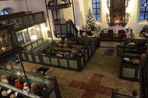 Bilderesultat for bilder av Stavern Kirke