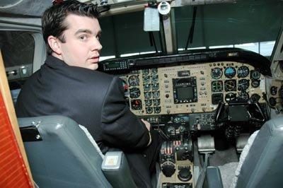 Her i cockpiten trives Rune André Melby fra Aurskog aller best. Airwings frilanspilot har oppfylt ungdomsdrømmen.