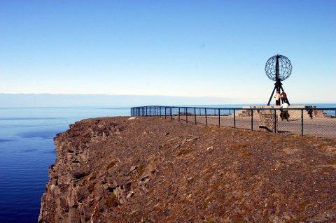 Nordkapp trekker mange turister hvert år. 2012 kan bli et tøft år for hele reiselivsnæringen, mener Innovasjon Norge.