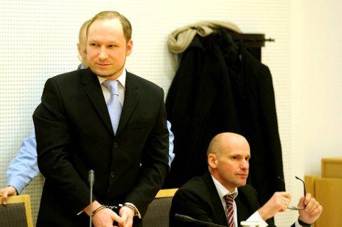 For første gang hadde mediene mulighet til å ta bilde av Anders Behring Breivik.