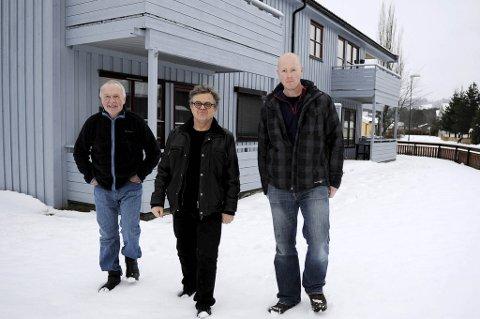 Fra venstre: Roar Berg, Lars-Erik Nordbotn og Arve Stoum er veldig glad for at det nå blir opprettet heldøgns tilbud i Bergs gate for mennesker med psykiske lidelser og rusproblematikk.