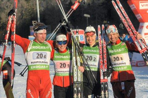 Gull:  Emil Hegle Svendsen, Tora Berger, Synnøve Solemdal og Ole Einar Bjørndalen sørget for norsk gull på blandet-stafetten i Ruhpolding. I går ble det nytt gull for Berger, mens Solemdal bommet..