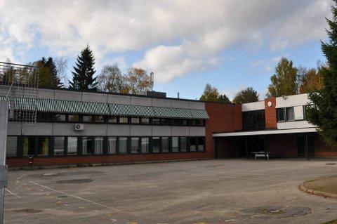 Hendelsen skjedde like ved Stigeråsen skole på Gulset i Skien.