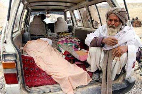En amerikansk soldat drepte 16 sivile afghanere i to små landsbyer. De fleste ofrene var kvinner og barn. Taliban har varslet hevnangrep.