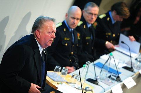 Evalueringsleder Olav Sønderland, politidirektør Øystein Mæland og politimester Anstein Gjengedal la torsdag fram sin interne evaluering etter terrorangrepet 22. juli.