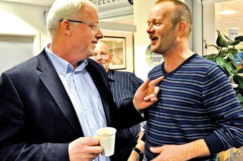 Uenige: TTLs Jan Marcussen og Aps Geir Grimsland diskuterte heftig før saken om bevaringssoner i sjø skulle behandles tirsdag kveld. De to var ikke enige om at det bør bli forbudt med all type fiske på et stort område utaskjærs. (Foto: Marianne Drivdal)