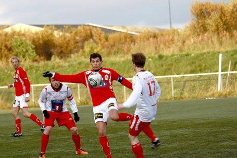 AVANSEMENT?  Makter Norild og lagkaptein Stig Gøran Persen å avansere til første ordinære runde i cupen? I så fall må vadsølaget slå Porsanger IL lørdag.