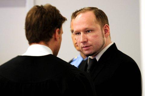 Anders Behring Breivik sier bruk av vold var en siste utvei og at det ikke fantes andre alternativer enn det han kaller en voldelig revolusjon.