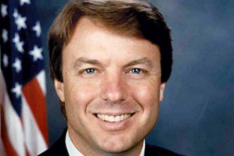 Tidligere presidentkandidat John Edwards anklages for å ha misbrukt valgkampmidler i et forsøk på å dekke over et utenomekteskapelig forhold.