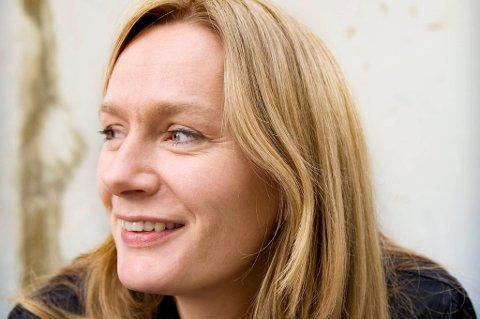 Marit Eikemo fikk Nynorsk litteraturpris for 2011 for boka «Samtale ventar»
