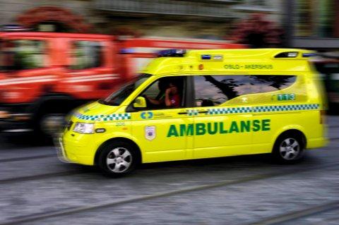 En person på motorsykkel omkom i en ulykke på riksvei 175 mellom Funnefoss og Årnes i Akershus tirsdag ettermiddag.