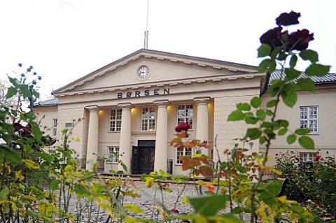Hovedindeksen på Oslo Børs steg 0,6 prosent til 422,06 poeng torsdag