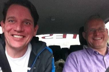 Her er det grunn til å smile. Knut Wilthil og Henrik Borchgrevink kom enda lenger enn beregnet - og presset forbruket til Mondeoen under 0,28 liter/mil.