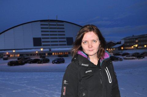 Leder Gunn Heidi Henriksen i Finnmark Idrettskrets sitter i anleggsutvalget som innstiller en ishall i Kirkenes som førsteprioritet.