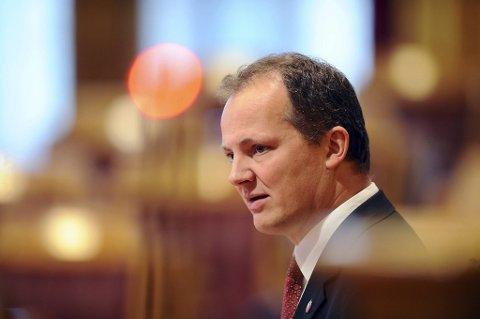 Fremskrittspartiets Ketil Solvik-Olsen godtok ikke å bli avbrutt.