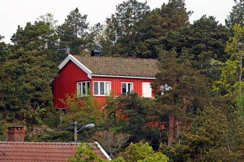Denne hytta i Holmesund ble solgt for 2,25 millioner kroner.