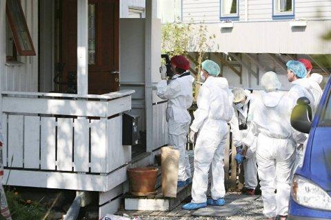 En mann ble knivdrept på et asylmottak i Fana.