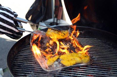Hold grillen under oppsyn så lenge den er varm, er et av flere råd til sommerens grillkokker.