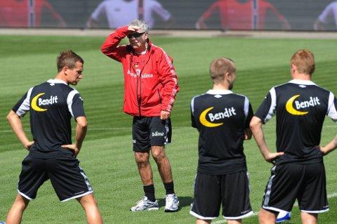 Egil «Drillo» Olsen er usikker på hvordan England vil spille.