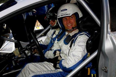 Petter Solberg kjører bra i Hellas.