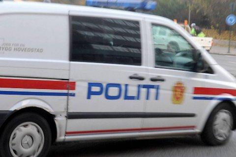 Politiet tror ikke det ligger noe straffbart bak dødsfallet til en 54 år gammel mann som ble funnet i hjemmet sitt i Brønnøysund tirsdag.