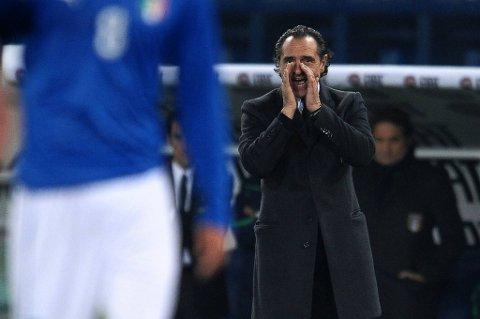 Cesare Prandelli åpner for at Italia hopper av sommerens fotball-EM.
