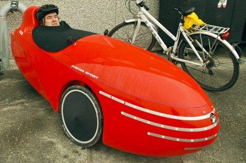 Kristian Pedersens sykkel minner mest om en fancy olabil bygget spesielt for å unngå luftmotstand.
