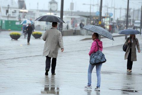 Mange får oppleve regnvær i helga.