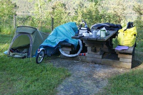 -Jeg bodde i telt de nettene jeg ikke fant campingplasser. Det ble vel fem-seks overnattinger i telt, sier Ohrvik.