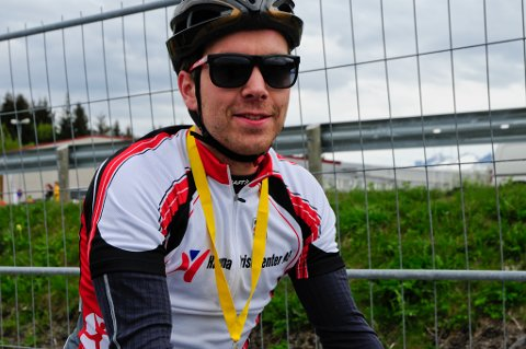 Patrick Flygt (25) fra Bodø i mål etter å ha syklet Fauske-Mørkved.