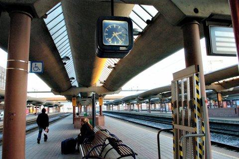 Det blir stans i togtrafikken rundt og i Oslo i sommer. Sjekk den alternative transporten her!