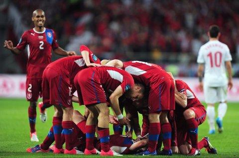 Tsjekkia sendte Polen hodestups ut av EM. Selv er de klare for kvartfinale.