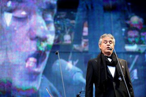 Med sin velkjente og kraftfulle stemme sørget Andrea Bocelli for at publikum fikk en opplevelse de sent vil glemme