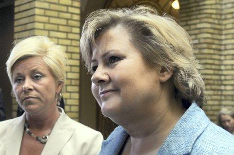 Høyres Erna Solberg kan glede seg over at partiet nå er dobbelt så stort som Siv Jensens Frp.