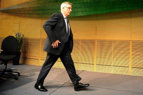 Finansminister Sigbjørn Johnsen (Ap) advarer sterkt mot lånefest.